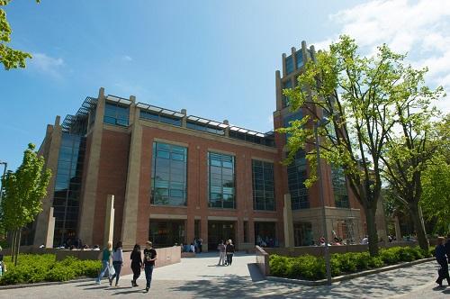 The Queen's University Belfast